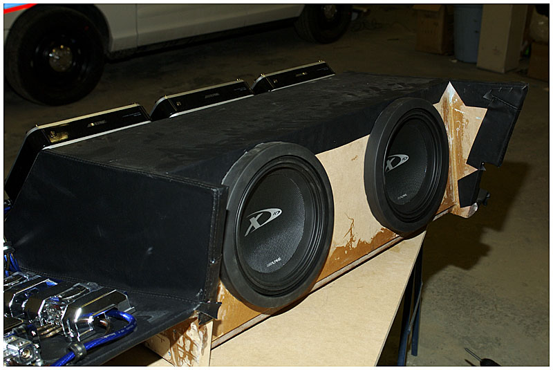 Subwoofer enclosure complete!